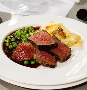 Photography recipe Beef entrecote double panfried with seasonal vegetable and potato gratin