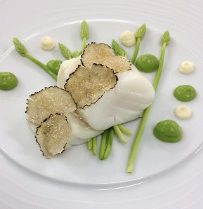 Photography recipe Poached cod with asaragus and whipped creme fraiche